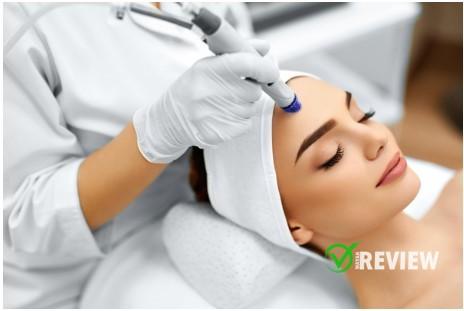Pentingnya Melakukan Perawatan Kulit di Klinik Dermatologi